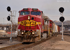 "Southbound Transfer in Kansas City, MO (""Righteous"" Grant G.) Tags: santa city railroad yard train south railway trains missouri kansas searchlight locomotive fe transfer job signal freight bnsf southbound atsf warbonnet"
