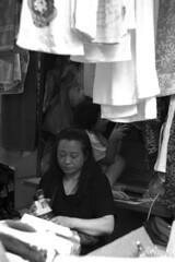 Towels Mum (Job Homeless) Tags: blackandwhite hongkong streetphotography jordan f2 58mm helios44m monochorme streetsnap canon6d