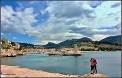 Le Selfie (Dominique Dufour) Tags: mer port photographie autoportrait nuages paysage selfie fujis5pro cielcharg portdecassis cassis13 dominiquedufourphotos