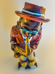 le saxophoniste (gribsy) Tags: jazz saxophone statuette musicien fz200