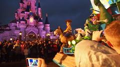 PB077172 () Tags: paris france castle disney parade chteau
