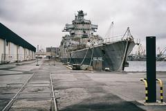 Déchu (Mr EtOH) Tags: marine brest arsenal colbert armée navire épave croiseur démantèlement