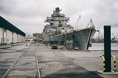 Dchu (Mr EtOH) Tags: marine brest arsenal colbert arme navire pave croiseur dmantlement