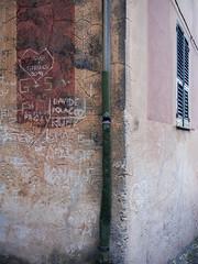 Borgo Finale Ligure 3 (puss_in_boots) Tags: italy abstract window wall graffiti colours liguria ale borgo ligure