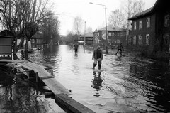 Scan-160502-0003 (Oleg Green (lost)) Tags: people bw film 35mm river flood russia voigtlander rangefinder rodinal province reservation fomapan canon7 vyatka 2535