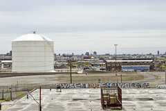 r_160428405_kos_a (Mitch Waxman) Tags: newyorkcity newyork construction scaffold greenpointbrooklyn newtowncreek laborers constructionequipment kosciuszkobridge nysdot dukbo