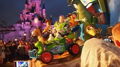 PB077173 () Tags: paris france castle disney parade chteau
