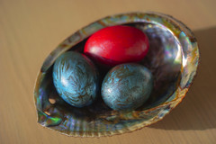 Happy Easter! (petrapetruta) Tags: glow painted shell eggs pearl