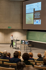 WEB-Conf+®renceGravit+®Andr+®Fuzfa-30 (cdsunamur) Tags: university belgium belgique space université gravity conference temps sciences espace speak gravitron namur spacetime namen savoir conférence gravité découvertes unamur