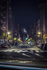 Gran Va de San Marcos 4:00 am (Yezrael Prez) Tags: street longexposure moon night lights nikon nightlights luna leones largaexposicin nikonphotography