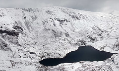 Wintry Carneddau 05 (Ice Globe) Tags: winter panorama white mountain snow mountains cold nature wales pen 35mm landscape frozen nikon view snowy scenic ole panoramic views wen snowing icy snowdonia yr ffynnon wintry dafydd carneddau carnedd lloer landsacpes d5100
