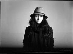 (7upvision) Tags: china portrait blackandwhite bw 120 girl d76 100 wuhan mamiya645 1000s gp3 8019 645 www7upvisioncom
