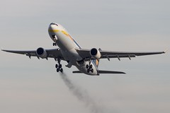 Jet Airways / Airbus A330-300 / VT-JWS / EBBR / brake smoke (planefreek) Tags: brussels airbus takeoff ebbr a330300 25r vtjws