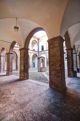 Cortile del Palazzo Pretorio, Terra del Sole (FC) (eastwood_clint) Tags: del sole terra palazzo hdr chiostro cortile pozzo forl dwell pretorio