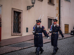 Palace guards (Halibel14) Tags: color pen lens lumix prague olympus palace czechrepublic cz guards praguecastle prazskyhrad epl1