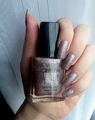 Unhas fofinhas com o lindo rosa crystal da avon :3 (Maria Helena Vieira) Tags: avon unhas esmaltes