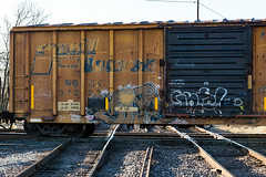 (o texano) Tags: bench graffiti texas houston trains dts mayhem freights dsr vizie vizy a2m benching defthreats adikts