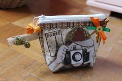 Necessaire clic (ceciliamezzomo) Tags: camera orange verde green bag handmade laranja makeup zipper patchwork ziper necessaire