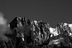 Face Nord Mythique (Frdric Fossard) Tags: alpes lumire altitude ombre glacier corniche contraste chamonix alpinisme cime clart hautesavoie crtes lesgrandesjorasses luminosit massifdumontblanc facenord artes peronwalker