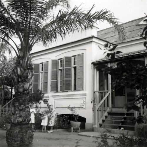 3 A residencia, front garden