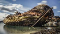 Echoué. (f.ray35) Tags: sea mer france st pose la boat eau bretagne bateau malo galets longue épave passagère quelmer