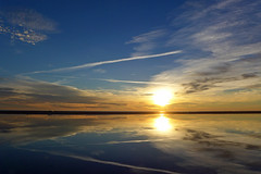Beautiful Dawn (Fotomondeo) Tags: españa sun sol beach valencia sunrise reflections spain playa alicante reflejos alacant amanacer playadesanjuan panasoniclumixlx7