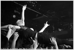 John Coffey @ Vera Mainstage (Dit is Suzanne) Tags: blackandwhite netherlands concert zwartwit availablelight gig nederland groningen vera crowdsurfing soldout sigma30mmf14exdchsm views50   crowdsurfen veraclub img2963 uitverkocht  beschikbaarlicht canoneos40d johncoffey   veramainstage ditissuzanne 18122015
