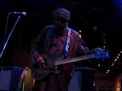 Tinariwen na Fundio Progresso (La Cumbuca) Tags: music concert livemusic blues mali fundioprogresso tuareg tinariwen back2black azawad