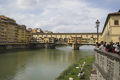 Ponte Vecchio Firenze (Rene Stannarius) Tags: italia ponte firenze arno brcke vecchio toskana vasarikorridor segmentbogenbrcke