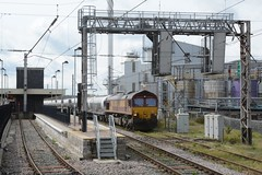 "English Welsh & Scottish Railways Liveried Class 66/0, 66150 (37190 ""Dalzell"") Tags: warrington gm shed revised generalmotors class66 dbc ews bankquay maroongold 66150 class660 englishwelshscottishrailways dbcargorail"