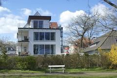 Gelungener Anbau an der Sundpromenade (Carl-Ernst Stahnke) Tags: aussicht stralsund anbau wohnhaus glasfront sundpromenade