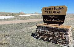 Pawnee Buttes Trailhead (Jeffrey Beall) Tags: colorado pawneenationalgrassland pawneebuttes weldcounty