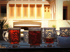 Tea by the palace courtyard (Germn Vogel) Tags: travel tourism architecture iran muslim middleeast palace silkroad iranian kashan isfahan traditionalhouse vernaculararchitecture islamicrepublic westasia middleeastculture gettyimagesmiddleeast