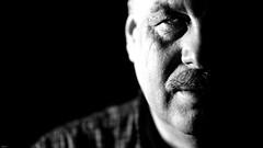 Mike... (lichtflow.de) Tags: portrait bw man mike face lowlight gesicht sony portrt sw mann lowkey kontrast festbrennweite ledlicht samyangf1485mm ilce7m2 lichtflow