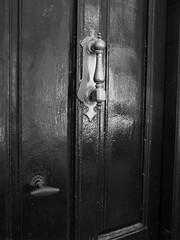 Aldaba / Knocker (Rafa Gallegos) Tags: madrid door old blackandwhite bw espaa byn blancoynegro vintage spain puerta knocker antiguo navalcarnero aldaba