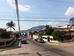 "Tegucigalpa et ses collines <a style=""margin-left:10px; font-size:0.8em;"" href=""http://www.flickr.com/photos/127723101@N04/26501146221/"" target=""_blank"">@flickr</a>"