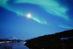Auroras on Film (jasonkb) Tags: zorki film norway norge iso400 aurora northernlights auroraborealis srreisa 28mmlens filmisnotdead zorki3m filmneverdies midttroms