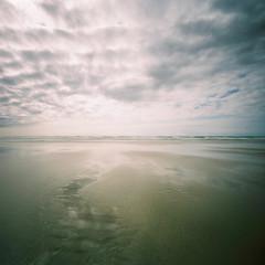 receding II (nils_karlson) Tags: sea seascape colour 6x6 film beach square fuji bretagne ishootfilm pinhole pinholecamera lensless zeroimage quadrat c41 400h colourphotography fujipro400h pro400h zeroimage2000