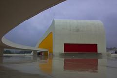 Centro Niemeyer - Auditorio (damargo1983) Tags: city sky color reflection colors niemeyer museum architecture clouds arquitectura cityscape colours edificio asturias colores auditorio cielo nubes museo avils reflejos curvas centrocultural ra complejocultural scarniemeyer centroniemeyer centroculturalinternacionalscarniemeyer complejoarquitectnico