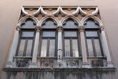 Okno (magro_kr) Tags: italy window architecture italia vicenza okno veneto architektura wochy wlochy wenecjaeuganejska
