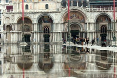 Piazza San Marco flooded (Croix-roussien) Tags: venice urban reflection church water religious ngc reflet italie sanmarco