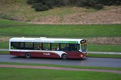 132 (Callum Colville's Lothian Buses) Tags: get bus buses edinburgh greener lothian hollyrood eclips madder lothianbuses edinburghbus b7rle madderandwhite madderwhite buseslothianbuses