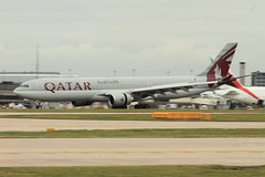 Qatar Airways Airbus A330 A7-AEC