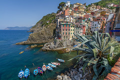 Riomaggiore - Cinque Terre (truszko) Tags: italy landscape europe liguria it cinqueterre riomaggiore