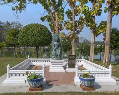 Wat Traphang Thong Lang Buddha Shrine (DTHST0172) วัดตระพังทองหบาง พระคาถาบูชา พระพุทธคันธารราฐ