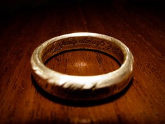 One Ring to rule them all (Nicolas -) Tags: macro unique ring precious hobbit rule tolkien anneau sauron onering lordofthering yvelines prcieux nicolasthomas macromondays