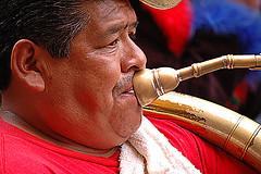 (pedro katz) Tags: mexico desfile sanmiguel airelibre musico
