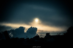 Lueur du Soir (Frdric Fossard) Tags: nature montagne alpes soleil noir lumire ombre cumulus contraste paysage soir crpuscule calme coucherdesoleil clart hautesavoie kairn lueur luminosit