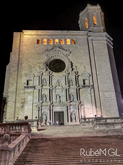 Catedral de Girona (Rubn Gil) Tags: night canon noche arquitectura catedral girona nocturna catalunya nocturnas historia hdr escaleras canon24105mm canon6d rubengilphotography