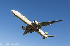 A6-ENQ Boeing 777-300ER Emirates Glasgow airport EGPF 14.01-16 (rjonsen) Tags: airport glasgow landing emirates belly approach 777 egpf trippleseven